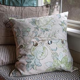 Easy DIY Envelope Pillow Covers & Easy DIY Pillow Covers pillowsntoast.com