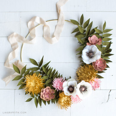 277 paper flower tutorials that you can follow today live video paper flower wreath for fall dcor mightylinksfo